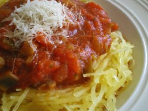Low Carb Spaghetti Squash With Traditional Tomato Sauce